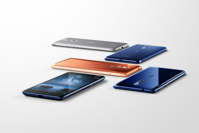 Nokia-Maker Mixes With Apple, Samsung in New Smartphone