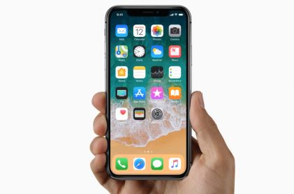Apple Holiday Sales Projection Tops Estimates on iPhone X Demand