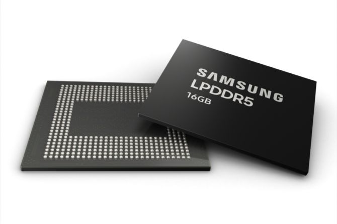 Samsung Begins Production of 16GB LPDDR5 DRAM for Smartphones