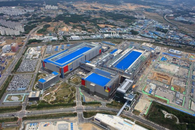 Samsung Expands its Foundry Capacity with a New Production Line in Korea