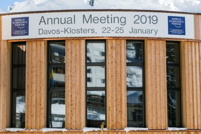 Tech Optimism at Davos Tempered by Trade Anxiety and Regulation