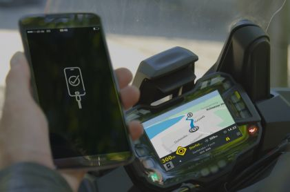 One in Three Motorcyclists Uses Smartphone During the Journey