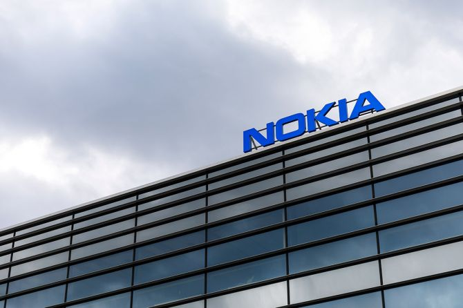 Battle for 5G Networks Pushes Nokia to Loss
