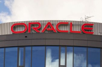 Oracle Slips on Disappointing Forecast as Cloud Woes Persist