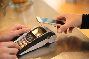 14 Percent Of Online US Consumers Use Instore Mobile Contactless Services