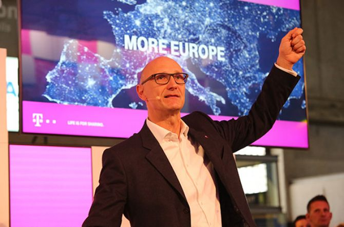 Deutsche Telekom Raises Forecast on Back of Growth in U.S.