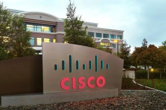 Cisco Shares Sink on Lackluster Revenue Forecast